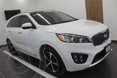 Kia Sorento Version usado (2018) color Blanco precio $419,000