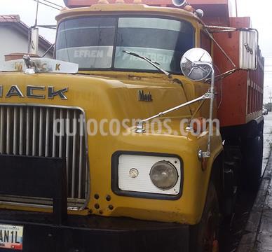 Mack RD688 camion de hotoiler usado (1979) color Bronce precio u$s10.000