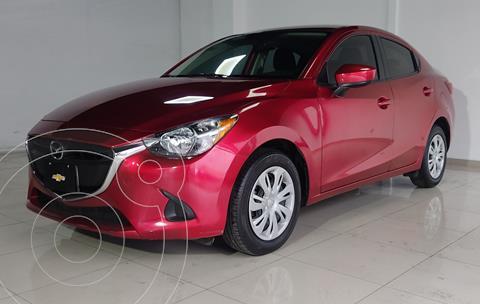 Mazda 2 Sedan i usado (2019) color Rojo Cobrizo precio $255,000