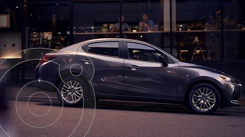 Mazda 2 Sedan i Grand Touring Aut nuevo color Gris Titanio precio $351,900