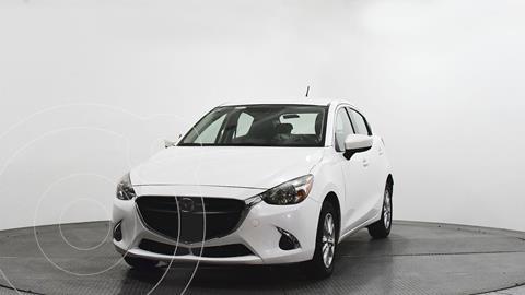 Mazda 2 Touring usado (2018) color Blanco precio $232,600