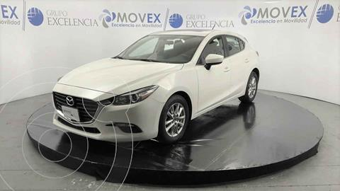 Mazda 3 Hatchback i Touring Aut usado (2018) color Blanco precio $300,000