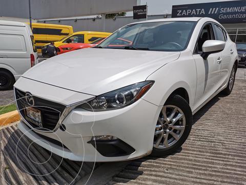 Mazda 3 Hatchback i Touring usado (2016) color Blanco Perla precio $245,000