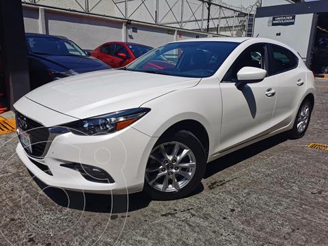 Mazda 3 Hatchback i Touring usado (2018) color Blanco Perla precio $275,000