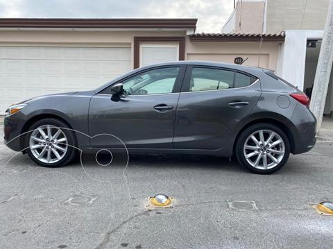 Mazda 3 Hatchback s  Aut usado (2018) color Gris Titanio precio $266,000