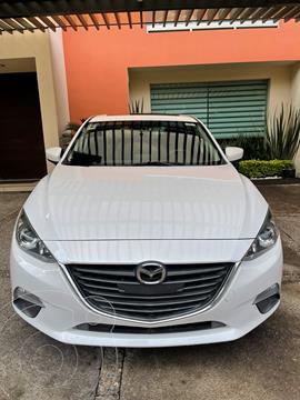 Mazda 3 Hatchback i Touring usado (2016) color Blanco Perla precio $195,000