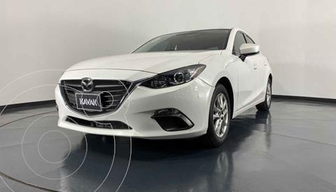 Mazda 3 Hatchback i Touring usado (2015) color Blanco precio $204,999