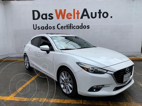 Mazda 3 Hatchback i Touring usado (2017) color Blanco Perla precio $299,000