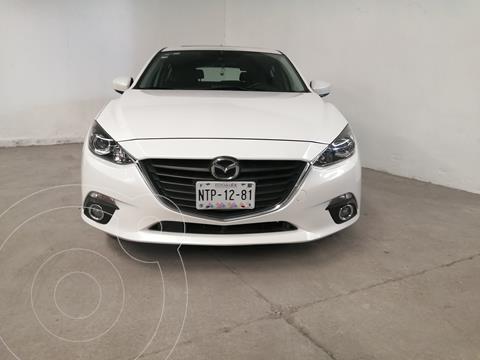 Mazda 3 Hatchback i Touring usado (2016) color Blanco Perla precio $200,000