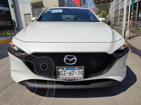 Mazda 3 Hatchback i Sport usado (2020) color Blanco Perla precio $340,000