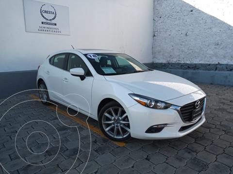 Mazda 3 Hatchback s usado (2018) color Blanco Perla precio $299,900
