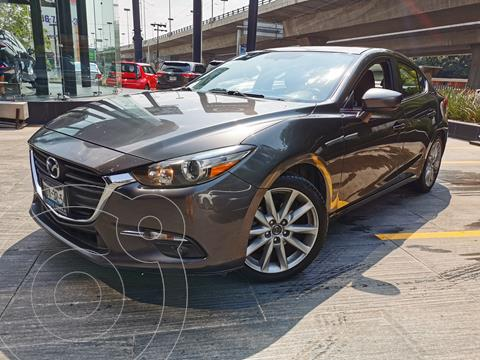 Mazda 3 Sedan i Sport usado (2017) color Gris Titanio precio $235,000