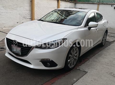 Mazda 3 Sedan s Aut usado (2015) color Blanco precio $220,000