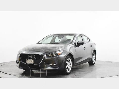 Mazda 3 Sedan i Aut usado (2017) color Gris precio $240,500