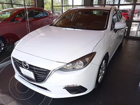 Mazda 3 Sedan i Touring Aut usado (2016) color Blanco Perla precio $200,000