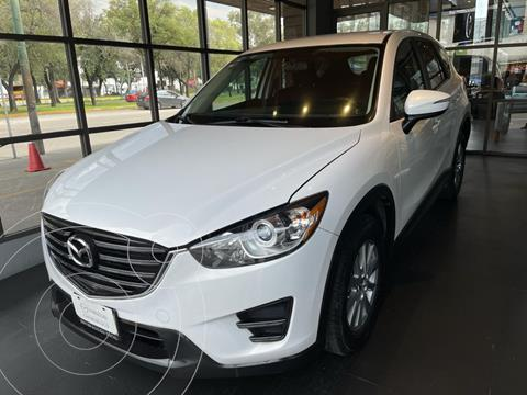 Mazda CX-5 2.0L i usado (2017) color Blanco Cristal precio $300,000