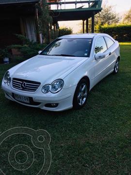 Mercedes Benz Clase C 200 Aut usado (2005) color Blanco precio u$s3.400.000