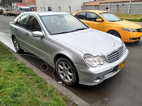 Mercedes Clase C 180 K usado (2006) color Plata Cubanita precio $33.000.000