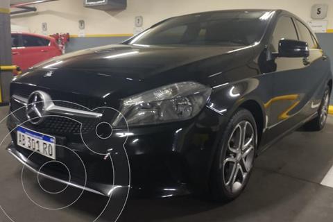 Mercedes Clase A 200 Progressive Aut usado (2017) color Negro Cosmos precio u$s20.500
