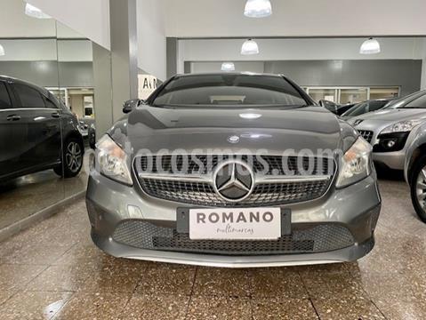 Mercedes Clase A 200 Urban Aut usado (2017) color Gris Montana precio u$s27.000