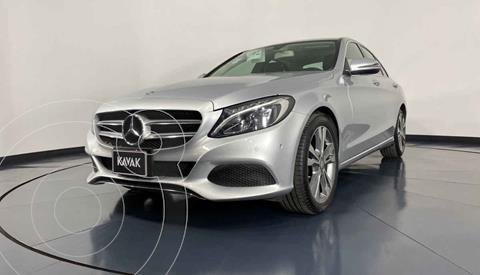 Mercedes Clase C Version usado (2017) color Plata precio $389,999