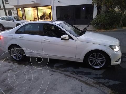 Mercedes Clase C 200 CGI Sport Aut usado (2013) color Blanco precio $200,000
