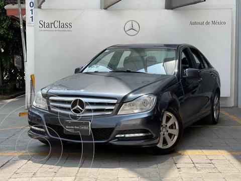 Mercedes Clase C 180 CGI Aut usado (2013) color Gris precio $185,000