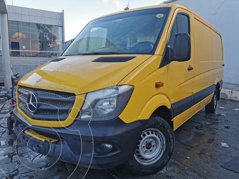 Mercedes Sprinter Cargo Van 315 usado (2016) color Amarillo precio $390,000