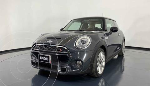 MINI Cooper Version usado (2017) color Gris precio $352,999