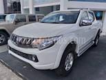 Foto venta Auto usado Mitsubishi L200 4x2 2.4L Cabina Doble color Blanco precio $329,800