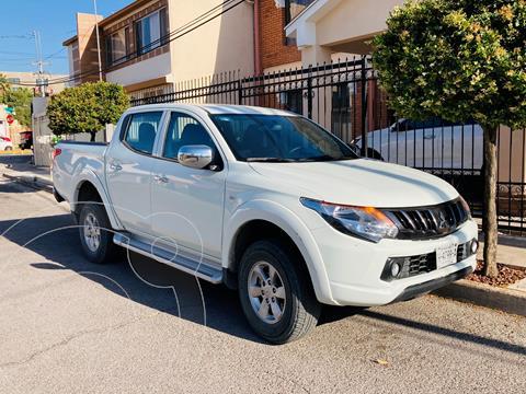 Mitsubishi L200 GLS 4x2 Gasolina usado (2018) color Blanco precio $290,000