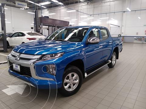 foto Mitsubishi L200 4x4 2.5L DI-D Cabina Doble usado (2021) color Azul precio $515,000