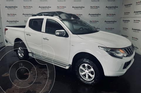 Mitsubishi L200 4x4 2.5L DI-D Cabina Doble usado (2017) color Blanco financiado en mensualidades(enganche $60,000 mensualidades desde $7,228)