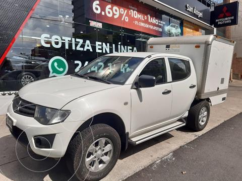 Mitsubishi L200 4x2 2.4L Cabina Doble usado (2015) color Blanco precio $245,000