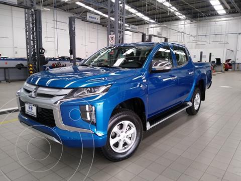 Mitsubishi L200 4x4 2.5L DI-D Cabina Doble usado (2021) color Azul Acero precio $525,000