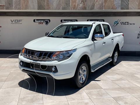Mitsubishi L200 4x4 2.5L DI-D Cabina Doble usado (2019) color Blanco precio $395,000