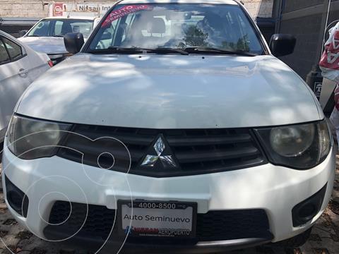 Mitsubishi L200 4x2 2.4L Cabina Doble usado (2015) color Blanco precio $219,000