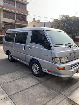Mitsubishi L300 Van 2.5L Di 12Pas usado (2010) color Plata precio u$s14,300