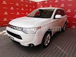Foto venta Auto usado Mitsubishi Outlander 2.4L SE (2014) color Blanco precio $219,000