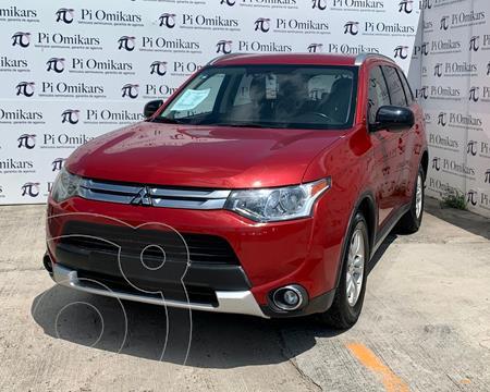 Mitsubishi Outlander 2.4L ES usado (2015) color Rojo precio $255,000