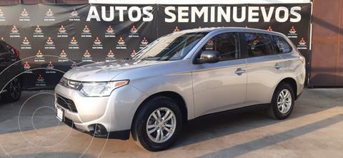 Mitsubishi Outlander ES usado (2014) color Plata precio $175,000