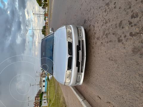 Mitsubishi Signo GLi 1.3L usado (2004) color Plata precio u$s2.000