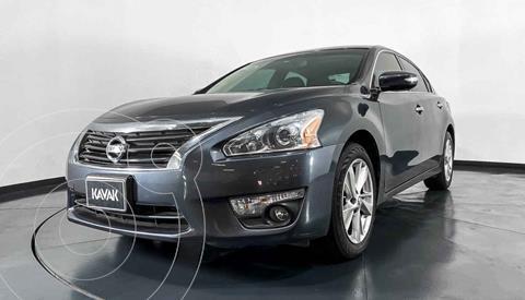 Nissan Altima Advance NAVI usado (2013) color Gris precio $172,999