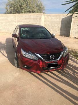 Nissan Altima Sense usado (2017) color Rojo precio $249,000
