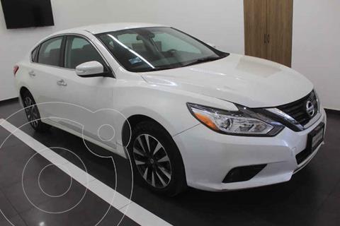 Nissan Altima Sense usado (2017) color Blanco precio $249,000