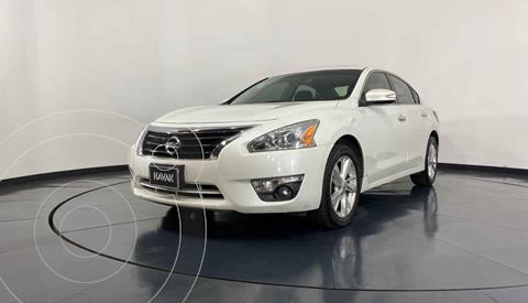 Nissan Altima Advance NAVI usado (2013) color Blanco precio $177,999