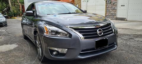Nissan Altima Exclusive usado (2014) color Gris Oxford precio $160,000