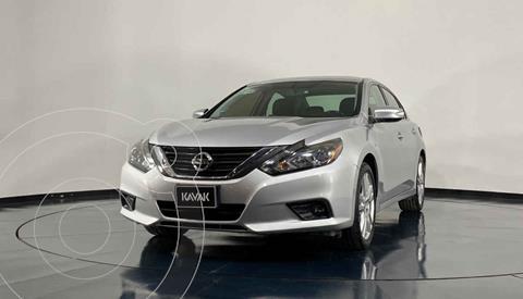 Nissan Altima Advance NAVI usado (2017) color Plata precio $272,999