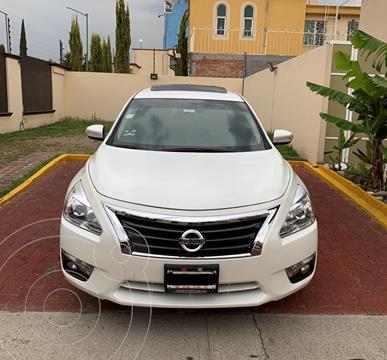 Nissan Altima Advance NAVI usado (2013) color Blanco precio $165,000