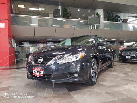Nissan Altima Advance usado (2017) color Azul Oscuro precio $275,000